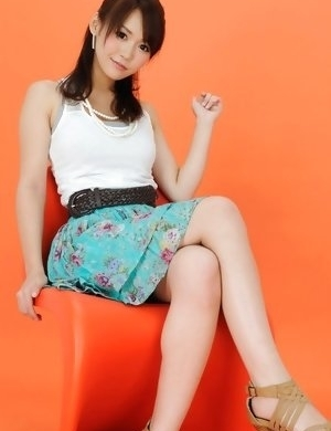 Yumi honey on heels and with big eyes is elegant and sexy