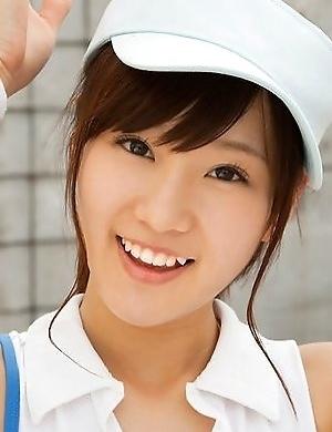 Kana Yuuki shows flexibility while playing with tennis ball