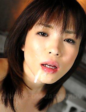 Arisa Suzuki sucks a fine pecker