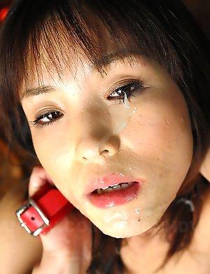 Hot Arisa Suzuki gets facialized