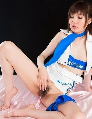 Karen Kosaka gets her pussy teased before giving a really awesome footjob on cam